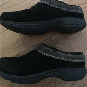 Merrell Sherpa Lined Black Suede Clogs